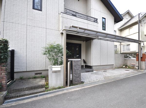 リフォームでグレードアップしたガレージ・門廻り – 大阪府茨木市 Y様邸