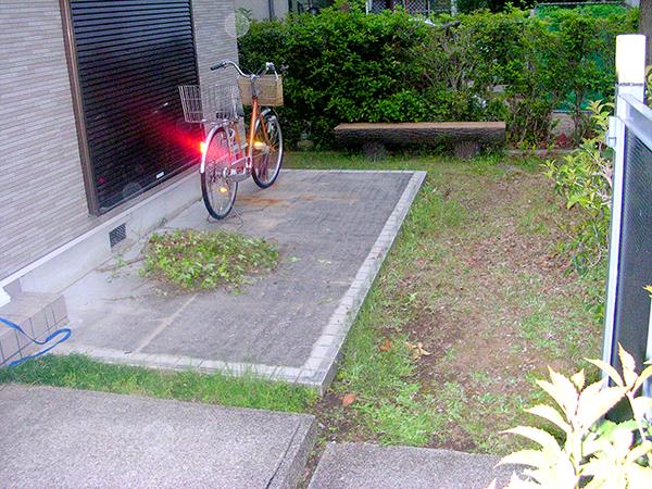 タイルテラスとナンキンハゼが広がるお庭 – 大阪府和泉市 N様邸の施工前