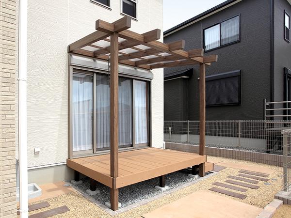 温かみのあるナチュラルガーデン – 大阪府和泉市 W様邸