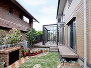 憧れのガーデンルームのあるお庭 – 大阪府箕面市 T様邸の詳細はこちら