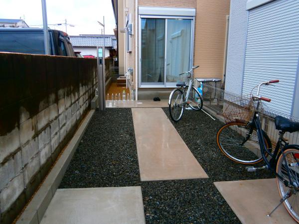 小窓のある門柱 – 大阪府大阪市 I様邸の施工前