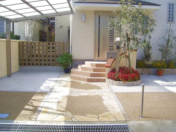 空洞ブロックで開放的・子供たちに配慮した庭 – 大阪府八尾市 M様邸