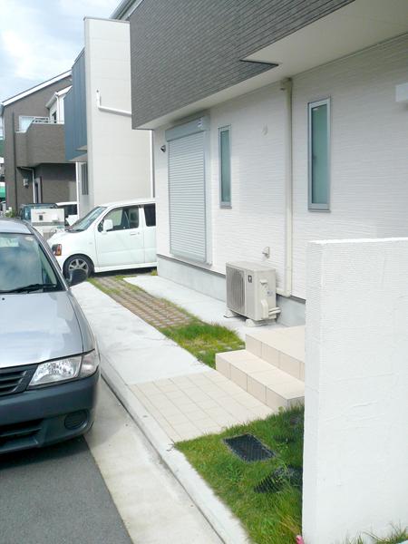 雑草メンテナンスフリー外構リフォーム – 大阪府堺市 O様邸の施工前