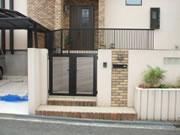 こぼれる植栽とガラスブロックからほのかな灯 – 大阪府堺市 O様邸の詳細はこちら