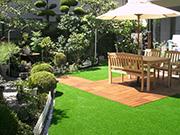 雨上がりでもお庭で過ごせる人工芝のお庭 – 大阪府吹田市 A様邸の詳細はこちら