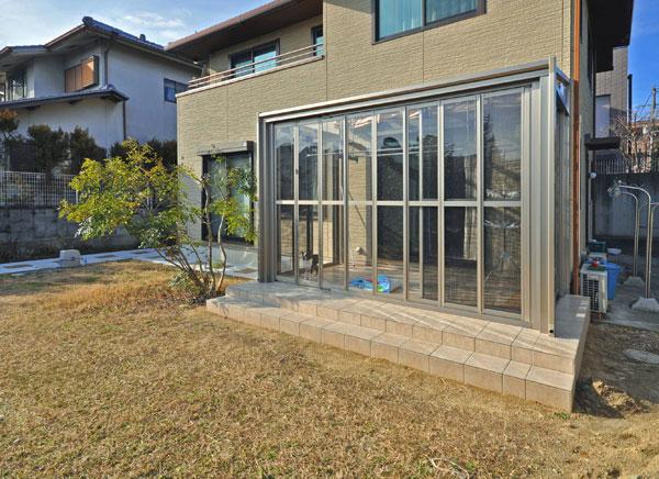 ガーデンルームでワンちゃんもお気に入りの空間に – 大阪府吹田市T様邸