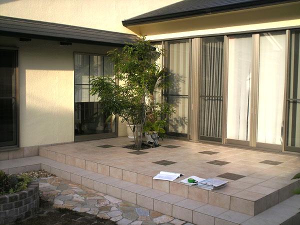 ガーデンルームで眺める庭から暮らす庭へ – 大阪府吹田市 T様邸の施工前