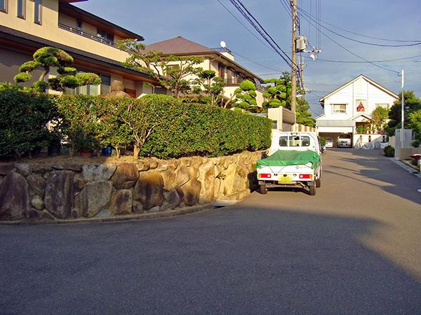 メンテナンスのしやすいお庭に – 大阪府吹田市 Y様邸の施工前