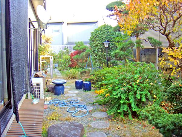 雑木林風のお庭にリフォーム – 大阪府吹田市 Y様邸の施工前