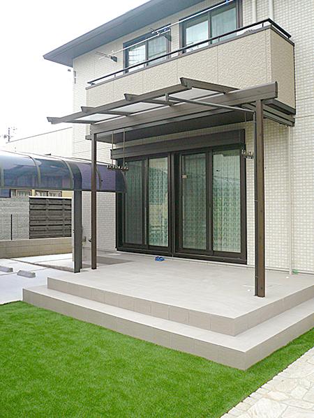 パーゴラ風のオシャレなテラス屋根 – 大阪府高石市 F様邸