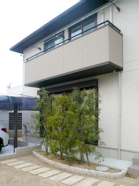 パーゴラ風のオシャレなテラス屋根 – 大阪府高石市 F様邸の施工前