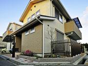 適度な目隠しでシンプルに – 大阪府高槻市 Y様邸の詳細はこちら