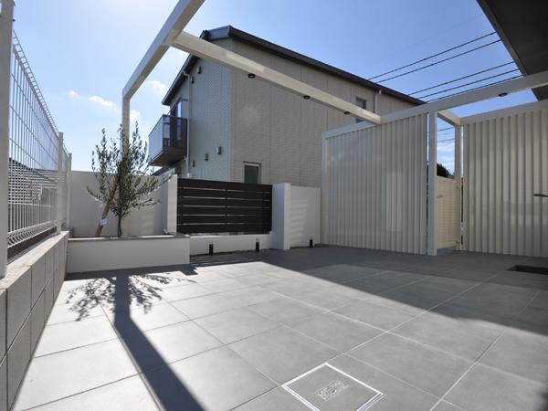 プライバシーを確保したもう一つのリビング – 大阪府豊中市 S様邸