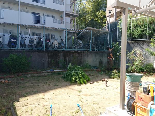 丸みのある優しいお庭へ – 大阪府豊中市 K様邸の施工前