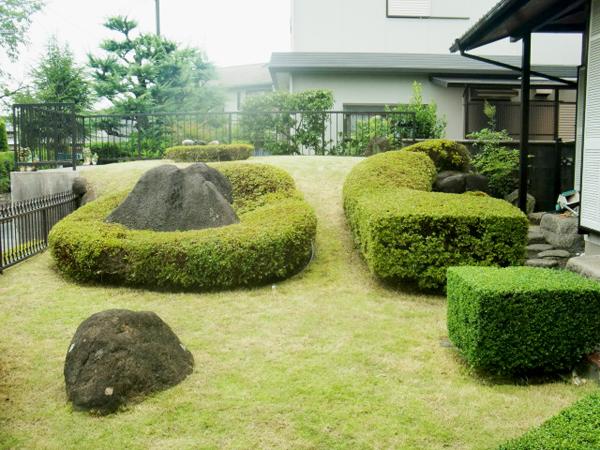 メンテナンスが大切な刈り込みと芝生のお手入れ【剪定】-大阪府吹田市K様邸