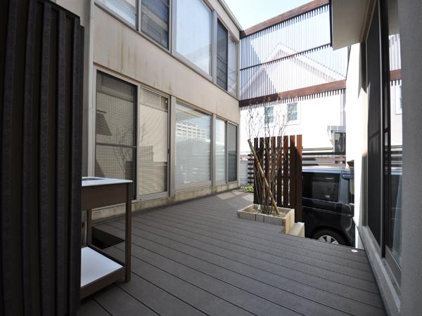 安全なウッドデッキで膨らむ夢-大阪府豊中市S様邸