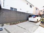 建物と調和のとれた目隠しフェンスとスロープリフォーム - 大阪府箕面市Y様邸
