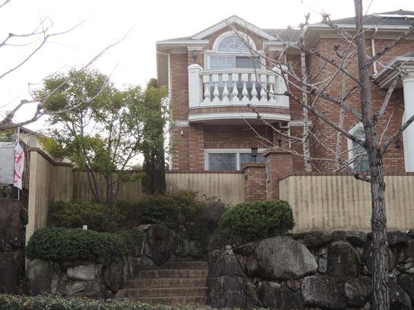 アートウォールで安全な外廻り空間にリフォーム - 大阪府豊中市A様邸の施工前