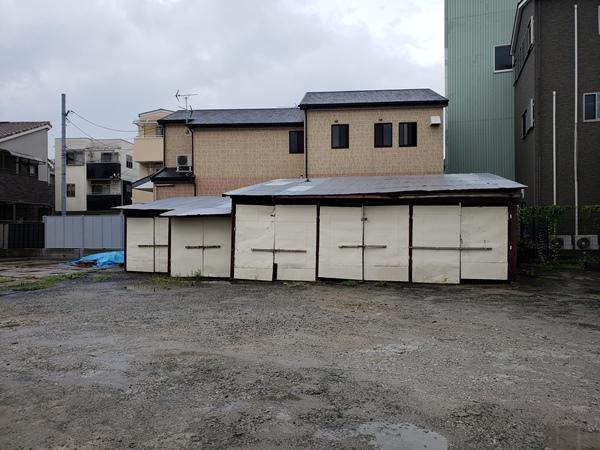 リフォームでグレードアップした貸ガレージ - 大阪府豊中市H様邸の施工前