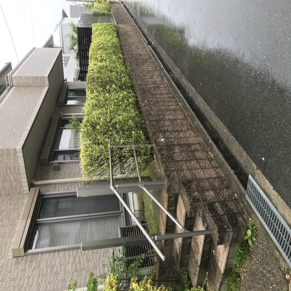 目隠しフェンスとタイルでお庭をリフレッシュー大阪府豊中市H様邸の施工前