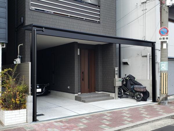 テラス屋根で雨に濡れない玄関廻り - 大阪府大阪市K様邸