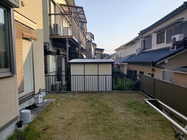 タイルテラスと屋根で明るく実用的なお庭 - 大阪府高槻市K様邸の施工前