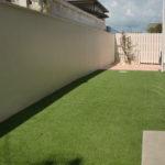 after:広い人工芝のお庭に、既存壁は塗装しました。