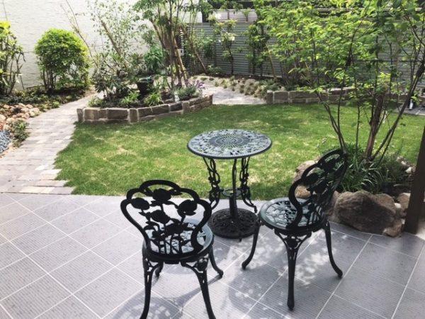 施工後:ほっと一息できるお庭にリフォーム