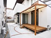 既存デッキを生かした快適な空間づくり – 大阪府豊中市 H様邸の詳細はこちら