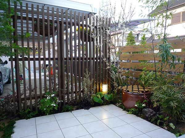 植栽で生まれ変わった-眺める庭- – 大阪府豊中市 I様邸