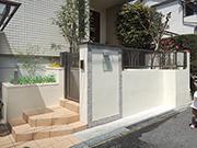 思い出あるアプローチを活かしてリフォーム – 大阪府豊中市 K様邸の詳細はこちら