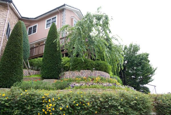 外構工事と植栽の年間管理をお手伝いしている – 大阪府豊中市 K様邸