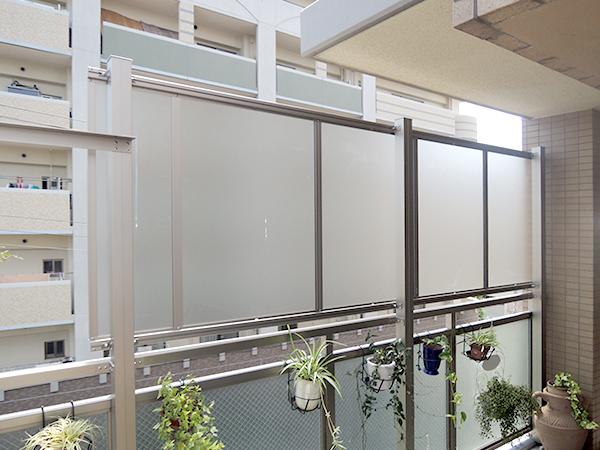 マンションのベランダに目隠しパネルを設置 – 大阪府豊中市 M様邸