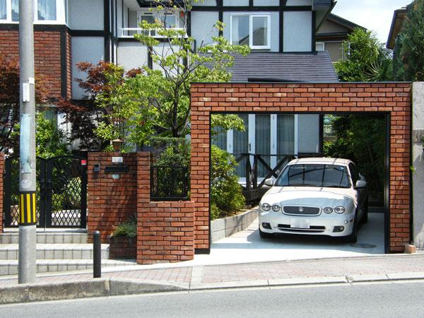 セキュリティーも考慮した風格ある門構え – 大阪府豊中市 N様邸