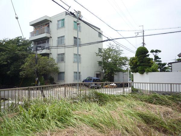 お嬢様が楽しく遊べるお庭 – 大阪府豊中市 O様邸の施工前