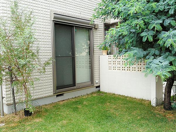 家族が憩うテラスのある庭 – 大阪府豊中市 S様邸の施工前