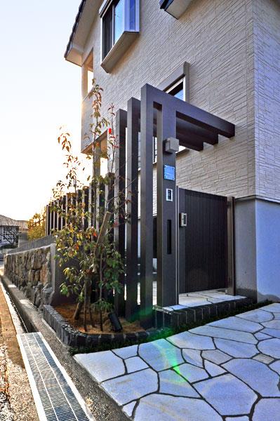空間を間取り高さを生み出す+G~豊中市 T様邸