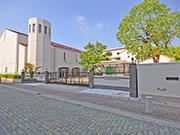 【小学校門周り】既存塀を利用して生まれ変わった門周り – 兵庫県尼崎市 百合学院小学校の詳細はこちら